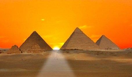 """A gizai piramisok építőjeként az - egyébként magyarul író-olvasó és beszélő - """"egyiptomi"""" népet jelöli meg a tudomány"""