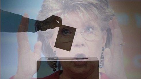 Viviane Reding európai biztos megtéveszti a közvéleményt