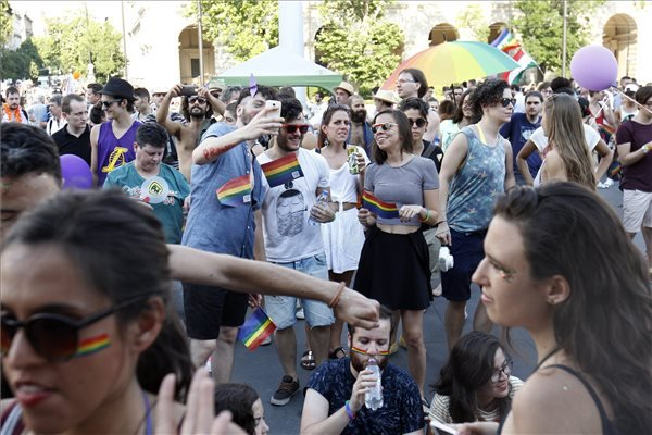 budapest_pride_bemocskolta_budapestet2