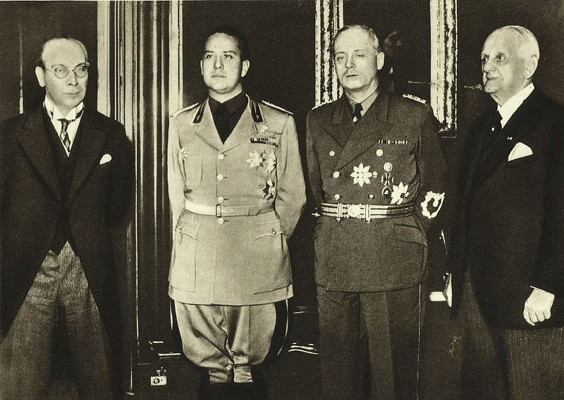 Balról jobbra: František Chvalkovský, Galeazzo Ciano, Joachim von Ribbentrop, Kánya Kálmán
