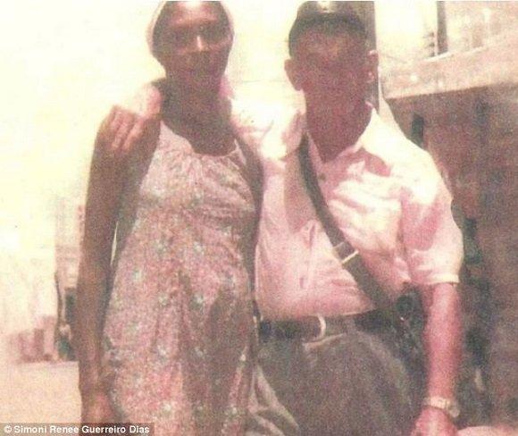 Simoni Renee Guerreiro Dias állítólagos Hitlertől kapott fényképe.