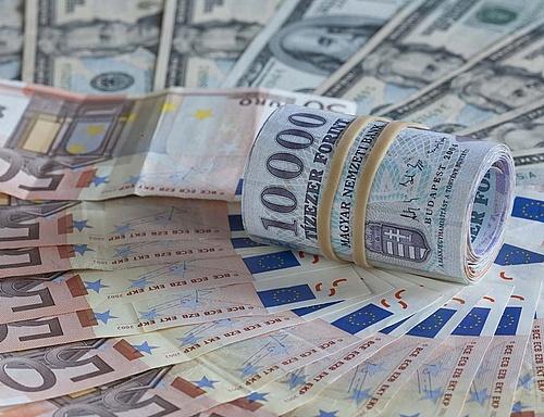 Devizapiac - Erősödött a forint árfolyama