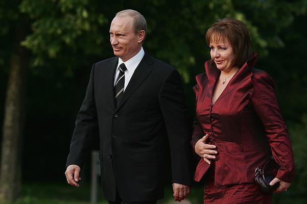 Putyin elnök és felesége.