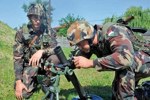 A Magyar Honvédség új aknavetőket léptetett hadrendbe