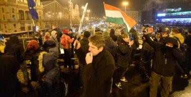 """Életveszélyes úton a magyar """"ellenzék"""""""